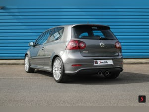 2005 A stunning 3 door, manual transmission, Volkswagen Golf R32 For Sale (picture 4 of 12)