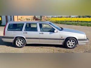 Outstanding Single Owner 1994 Volvo 850 2.0 GLT Auto Estate For Sale (picture 2 of 11)