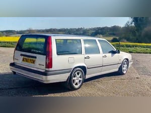 Outstanding Single Owner 1994 Volvo 850 2.0 GLT Auto Estate For Sale (picture 3 of 11)