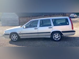 Outstanding Single Owner 1994 Volvo 850 2.0 GLT Auto Estate For Sale (picture 6 of 11)