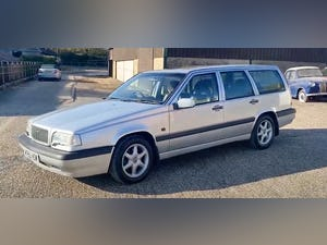 Outstanding Single Owner 1994 Volvo 850 2.0 GLT Auto Estate For Sale (picture 7 of 11)