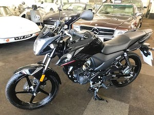2019 YAMAHA YS125 MOTORBIKE EURO4 - 7miles only from new For Sale (picture 5 of 16)