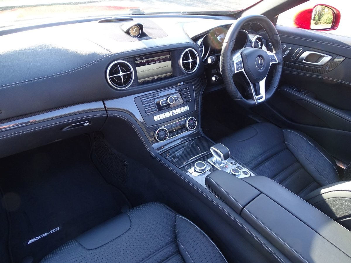 201464 Mercedes-Benz SL 63 AMG SOLD (picture 7 of 20)