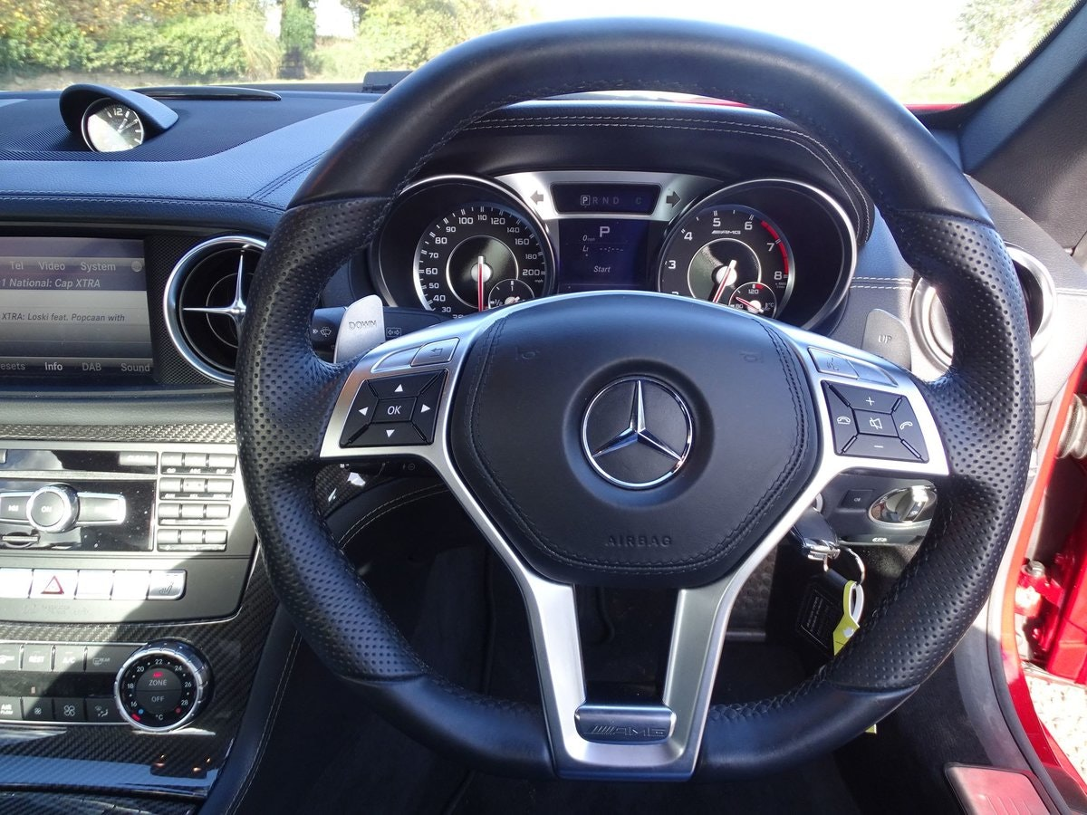 201464 Mercedes-Benz SL 63 AMG SOLD (picture 8 of 20)