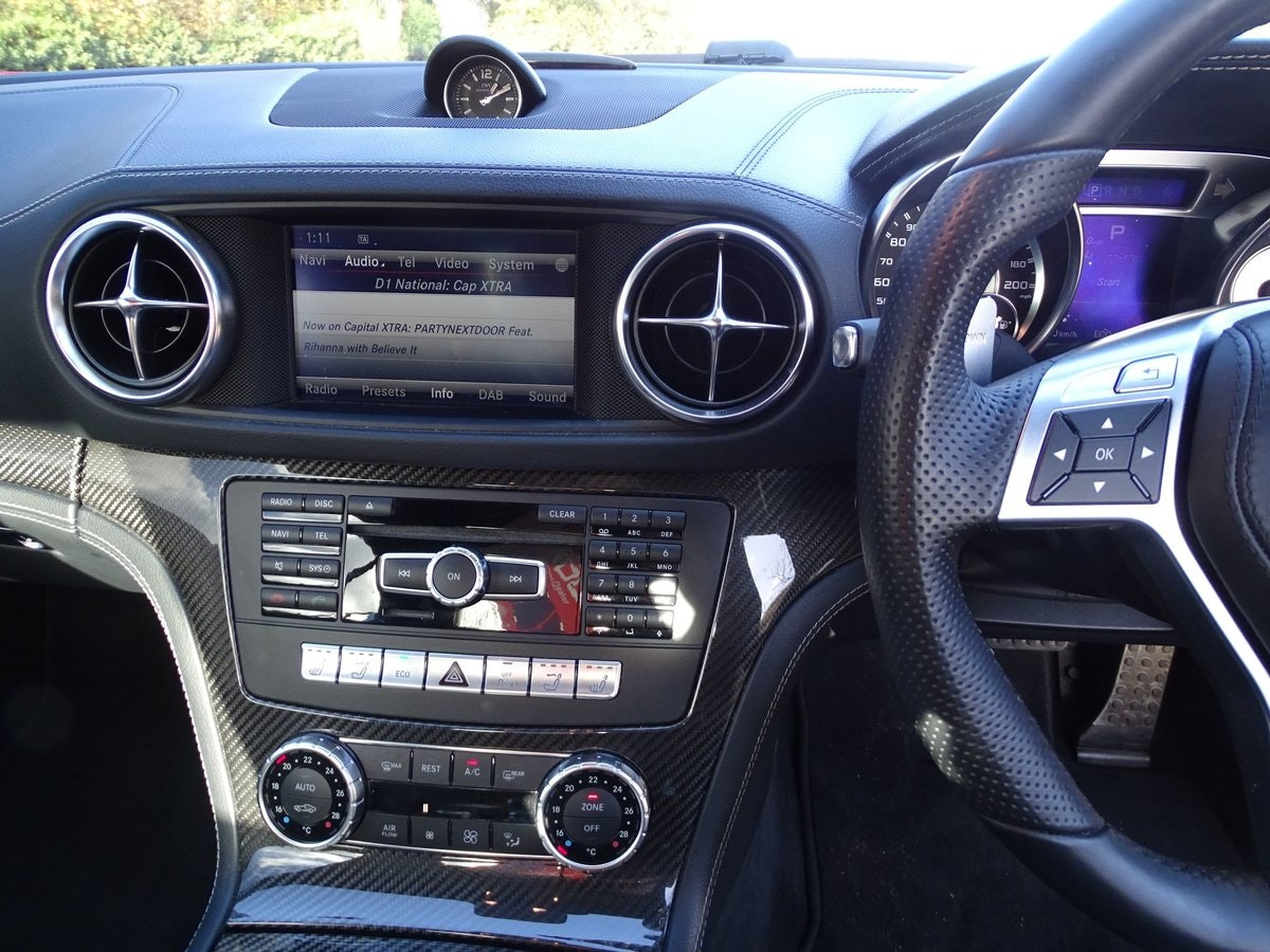 201464 Mercedes-Benz SL 63 AMG SOLD (picture 9 of 20)